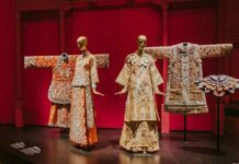 Guo-Pei_-Chinese-Art-and-Couture-3.-Image-courtesy-of-Asian-Civilisations-Museum