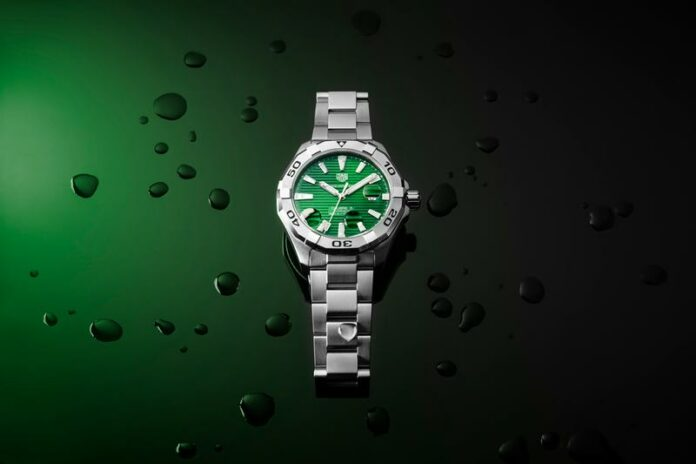 tag-heuer-emerald-green-dial-aquaracer-collection