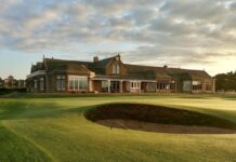 Clubhouse di Royal Troon / Ayr Advertiser