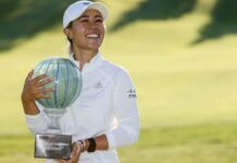 Danielle Kang dengan trofi Drive On Championship 2020 di Inverness Club / Times of India